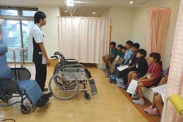 平成29年9月7日(木)・8日(金) いずみ野小学校6年生の児童52名が横浜いずみ台病院で職業体験を行いました